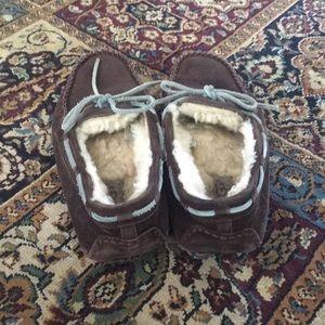 UGG Shoes - Ugg Dakota Slipper size 6
